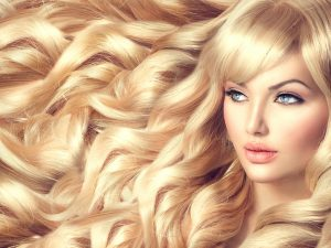 Ready to apply Vietnamese hair extensions for the beautiful girl