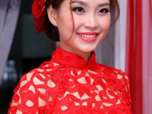Beautiful wedding hairstyle of Vietnamese celebrities